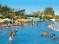 Hotel Golden Coast Resort
